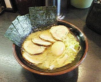 金沢市_一心屋_チャーシュー麺のり玉子トッピング01