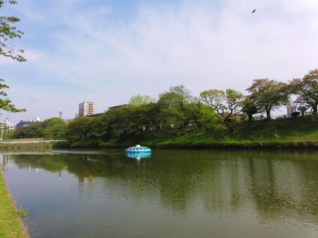 4/21福岡城のお濠のUFO
