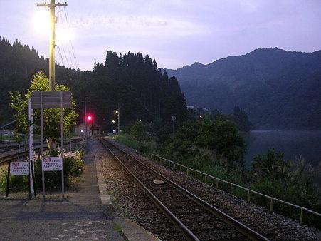 会津川口駅ホーム・小出方向