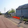 写真: 桃花台バスストップ:駐輪場設置位置案