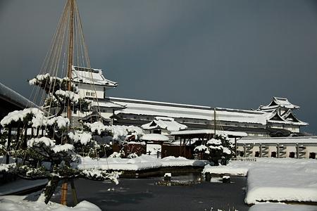 金沢城と雪(1)