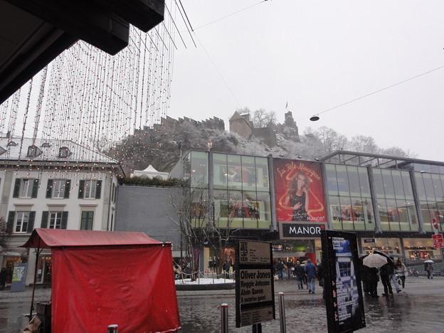 スイス バーデン 城 現代建築