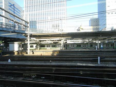 E231系湘南新宿ライングリーン車1Fの車窓17