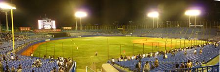 試合後の神宮球場