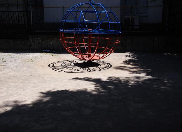 公園に浮かぶ惑星