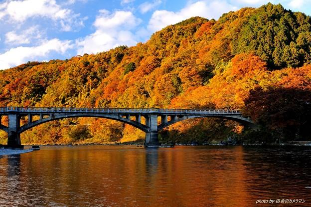 落石「境橋紅葉の頃」