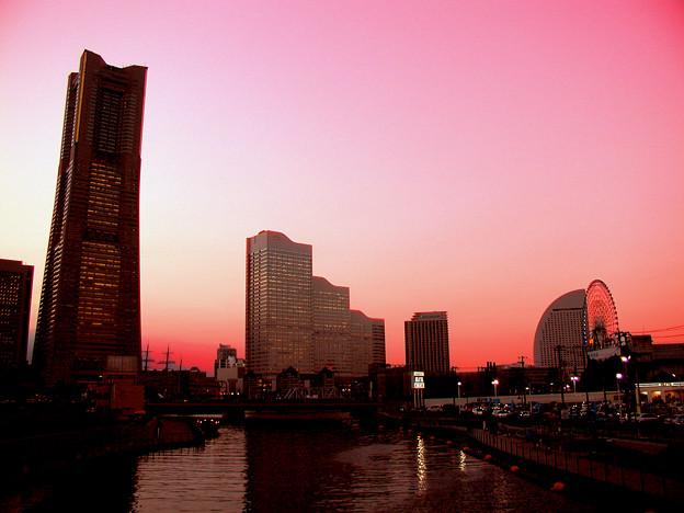 横浜風景のフェイク画像