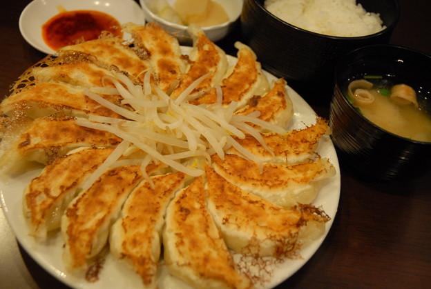 20110501_石松餃子 浜松本店 餃子定食 中(15ケ) 1102円