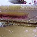 写真: ケーキの断面