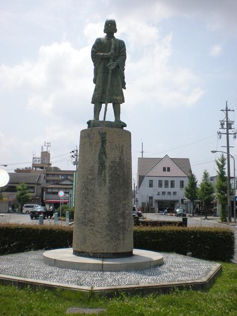 DSCN3473松尾芭蕉像