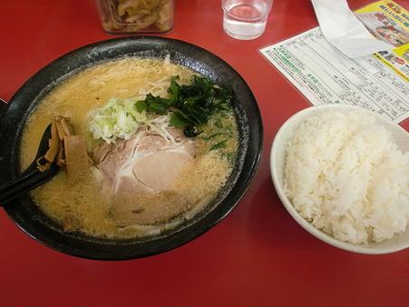 桃太郎 味噌ラーメン(レギュラー麺)+ライス