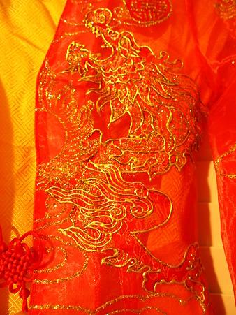 ベトナムの結婚式衣装2