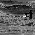 写真: 挑む海