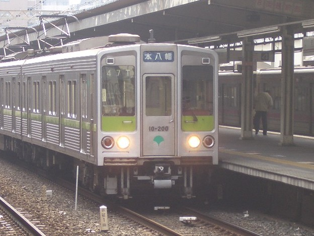 都営新宿線 普通本八幡行 CIMG7295