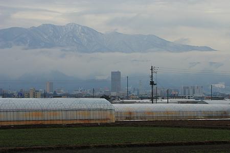 雲海広がる蔵王と山形市内