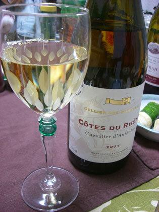 珍しく白(ワイン)です