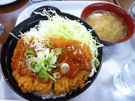 辛味噌ソースカツ丼