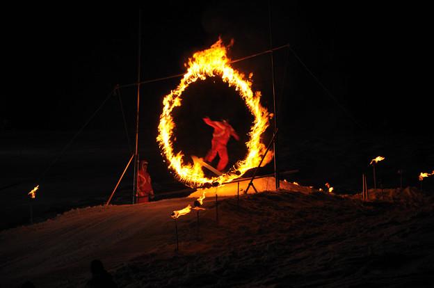 火の輪くぐりジャンプ(スノボ1)