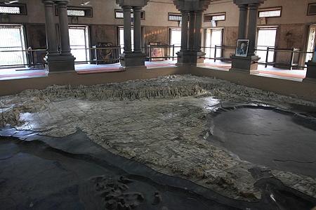 2010.02.01 バナーラス バーラト・マーター寺院 大理石のインド