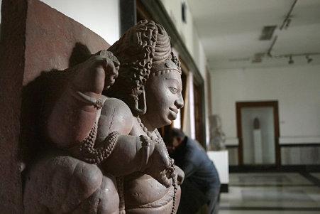 2010.02.05 デリー 国立近代美術館 仏像-06