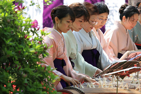 2010.04.29 城南宮 曲水の宴 琴演奏