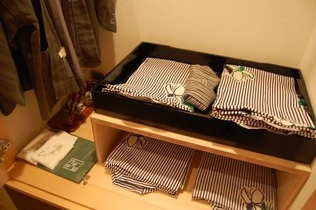浴衣はS~LLまで4種類置いてある。子供用は有料。足袋もあった