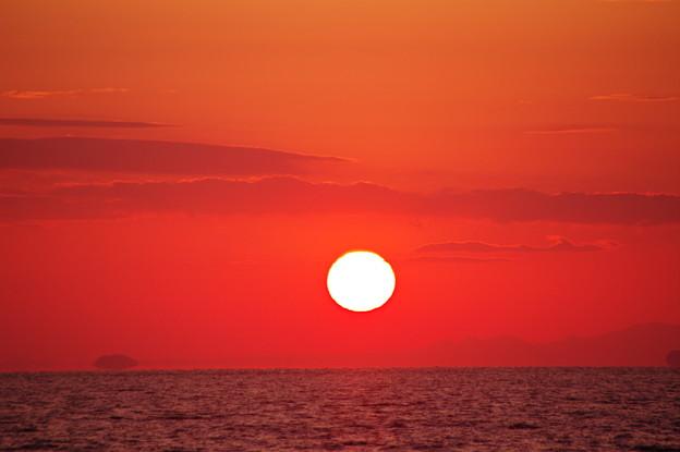 沈む夕陽は浮き島の彼方(6)