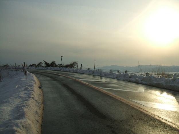 福島県道64号の冬 - 明ル坂 - そら