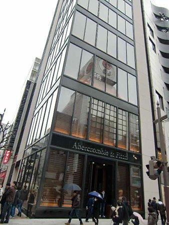 アバクロンビー&フィッチ銀座店 2009年12月15日(火) オープン 2ケ月-220211-2