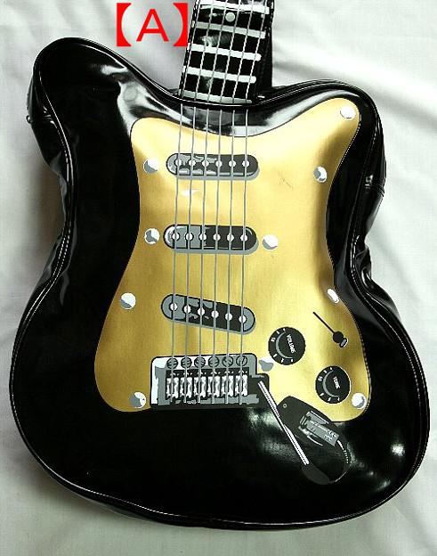 写真: ギター型ショルダーバッグ15