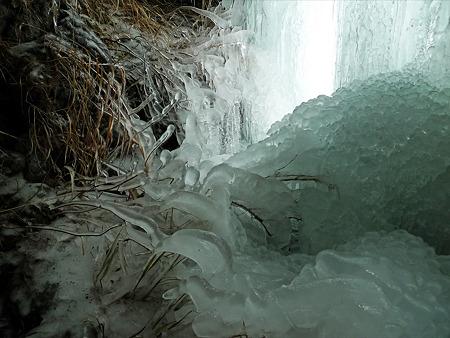 冬の仙酔峡(15)
