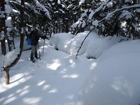 雪の下の六地蔵