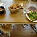 写真: ことこと煮とソバ粉ガレット